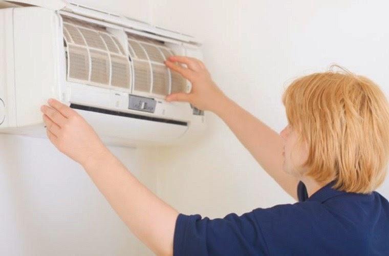 Làm gì khi máy lạnh bị kêu?